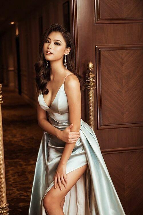Đào Hà sở hữu gương mặt cân đối, sáng sân khấu. Cô từng chiến thắng hai tập truyền hình thực tế Tôi là Hoa hậu Hoàn vũ Việt Nam. Người đẹp xứ Nghệ cao 1,75 m, sở hữu số đo 85-64-93 cm.