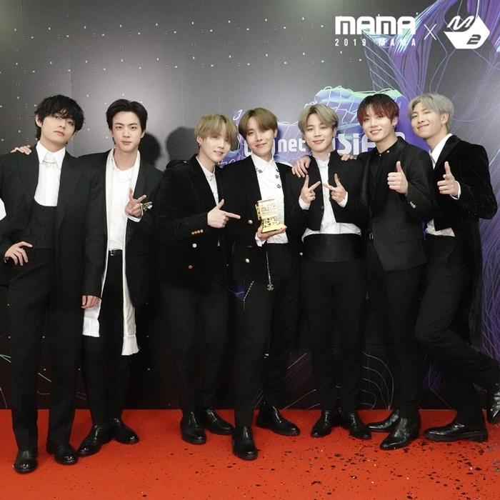 BTS ẵm toàn bộ Daesang tại MAMA.