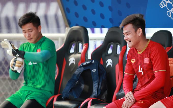 <p> Sáng 4/12, theo sắp xếp của Ban tổ chức, U22 Việt Nam tập luyện trên sân Rizal Memorial từ 10h tới 11h (giờ Manila). Thời tiết trên sân rất nắng nóng.</p>