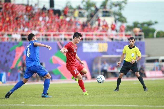 <p> Chung cuộc, U22 Việt Nam cầm hòa Thái Lan 2-2, nhất bảng B. Việt Nam sẽ gặp Campuchia ở bán kết.</p>