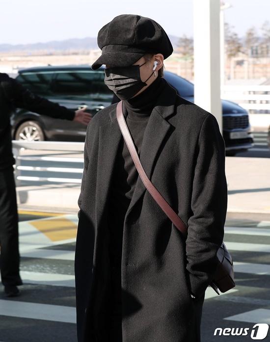 Black Pink, BTS, Twice hội ngộ tại sân bay - 5