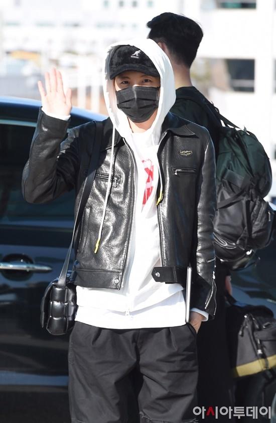 Black Pink, BTS, Twice hội ngộ tại sân bay - 10