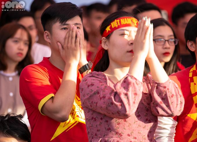 <p> Nhiều CĐV khác tiếc nuối sau bàn thua thứ hai của U22 Việt Nam.</p>