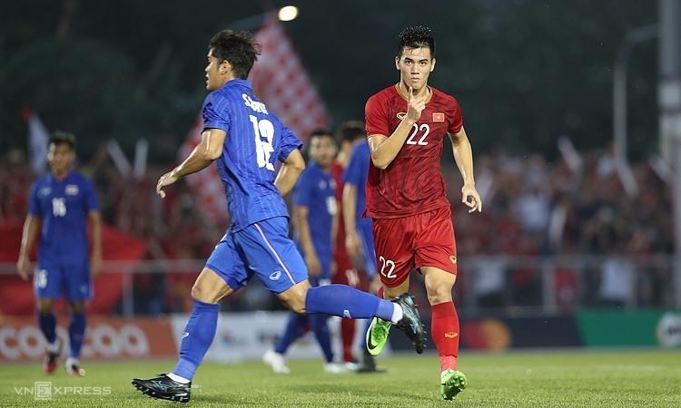 Cú đúp của Tiến Linh góp phần khiến Thái Lan bị loại khỏi vòng bảng SEA Games 30. Ảnh: Đức Đồng