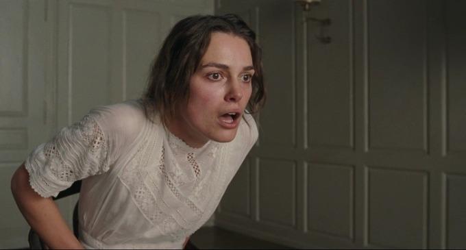 <p> Keira Knightley cho biết cảnh sex giữa cô và nam diễn viên Michael Fassbender trong <em>A Dangerous Method</em> là thử thách cho cả hai. Cô đã phải uống một shot vodka, một ly sâm-panh trước và sau khi đóng cảnh này.</p>
