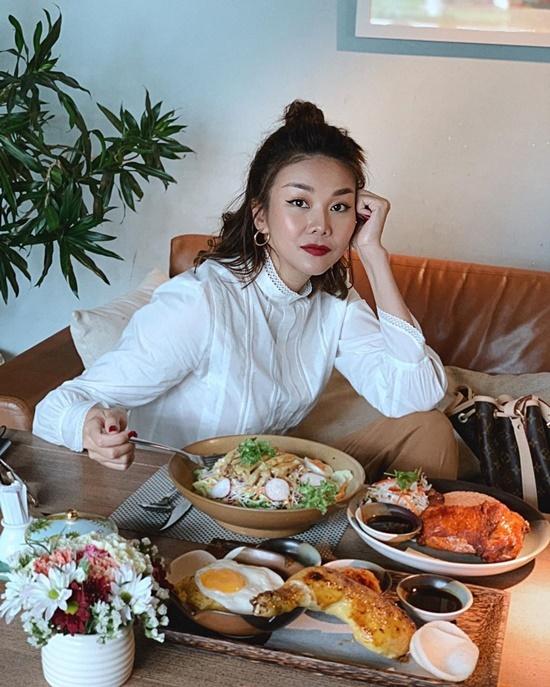 Bữa ăn sang chảnh của Thanh Hằng.