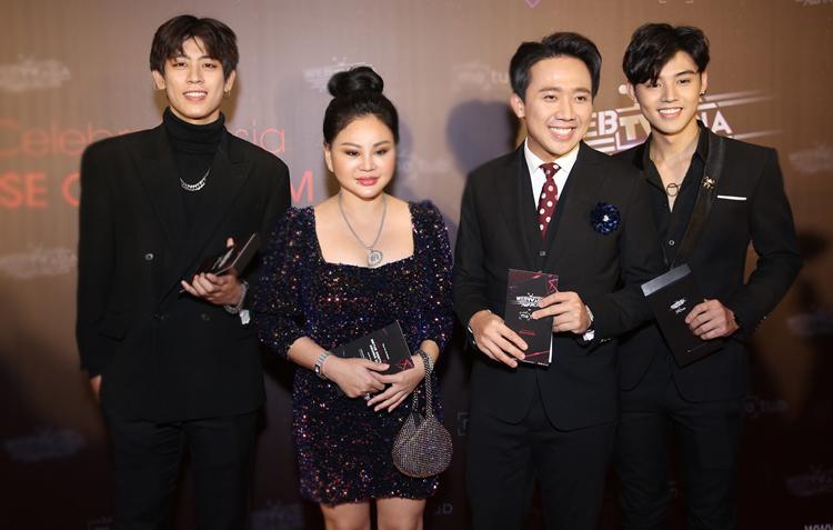 Trấn Thành - Lê Giang (giữa) dự sự kiện.