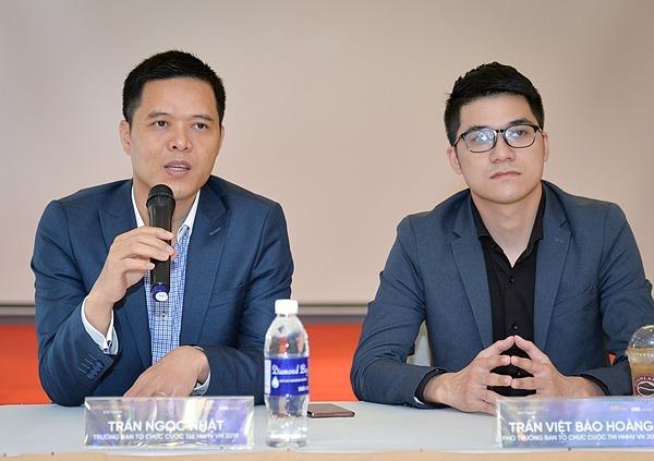 Ông Trần Ngọc Nhật và ông Trần Việt Bảo Hoàng (phải).Ảnh:Việt Hùng