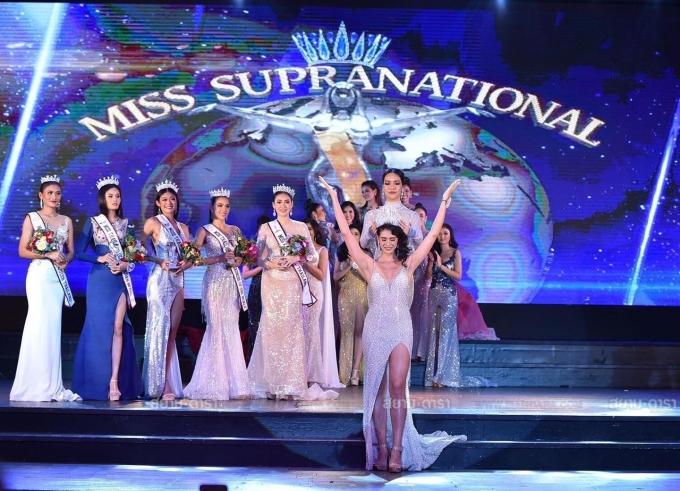 <p> Anntonia Porsild đăng quangMiss Supranational Thailand vào tháng 9/2019 và đại diện nước nhà đi thi quốc tế.</p>