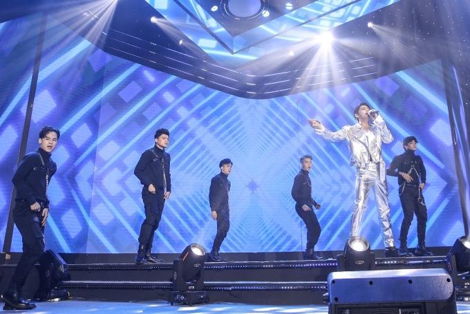 """<p> Noo Phước Thịnh là nhân vật đặc biệt được fan chờ đợi nhất tại đêm nhạc """"Khai phá chất riêng"""", diễn ra ở nhà thi đấu Hồ Xuân Hương, TP HCM.</p>"""