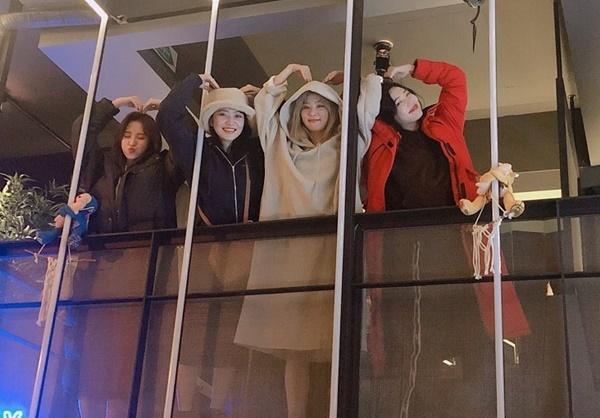 Irene chia sẻ khoảnh khắc bắn tim đáng yêu của Red Velvet.