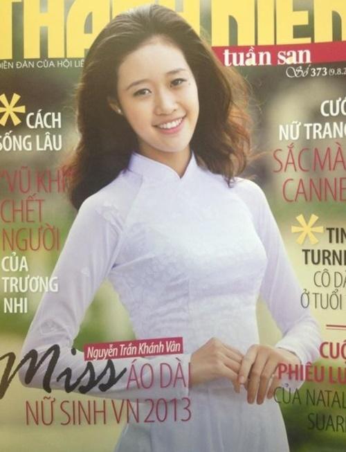 Khánh Vân là gương mặt trang bìa của nhiều tờ báo năm 18 tuổi.