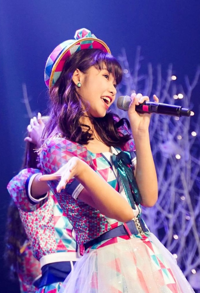 """<p> Ngoài giọng hát, vẻ xinh xắn, đáng yêu của các thành viên cũng được chú ý. Đêm nhạc không thể thiếu ca khúc mang đậm dấu ấn của SGO48 """"Heavy Rotation"""".</p>"""