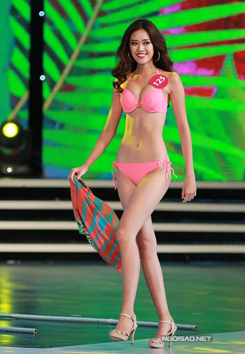 Vóc dáng của người đẹp có sự thay đổi rõ rệt một năm sau đó, khi cô tham dự Hoa hậu Hoàn vũ Việt Nam 2015 - năm Phạm Hương đăng quang.Cô được đánh giá là một ứng viên tiềm năng nhờ vẻ đẹp rạng rỡ, khả năng trình diễn tốt xuyên suốt các phần thi.