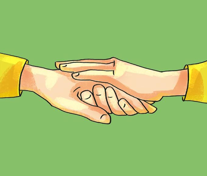 <p> <strong>12. Bắt tay khi lòng bàn tay hướng lên trần nhà</strong><br /> Đối phương đang thể hiện sự đồng cảm, cảm thông với bạn trước mọi chuyện đã xảy ra.</p>