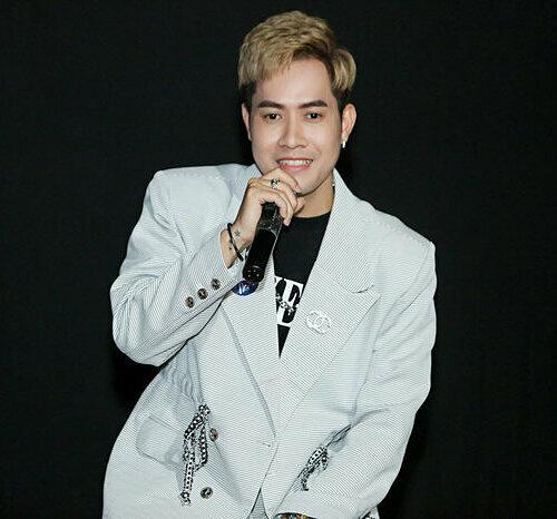Nhạc sĩ Thanh Hưng là chú của Huy Cung và cũng là tác giả của bài hát Chuyện tình yêu xa.