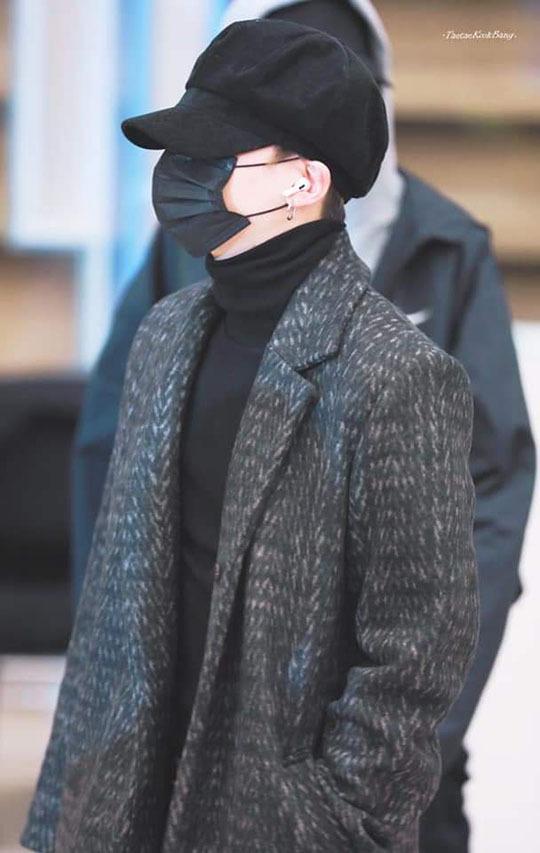 Yoona tóc xù đáng yêu, BTS che kín ở sân bay - 4