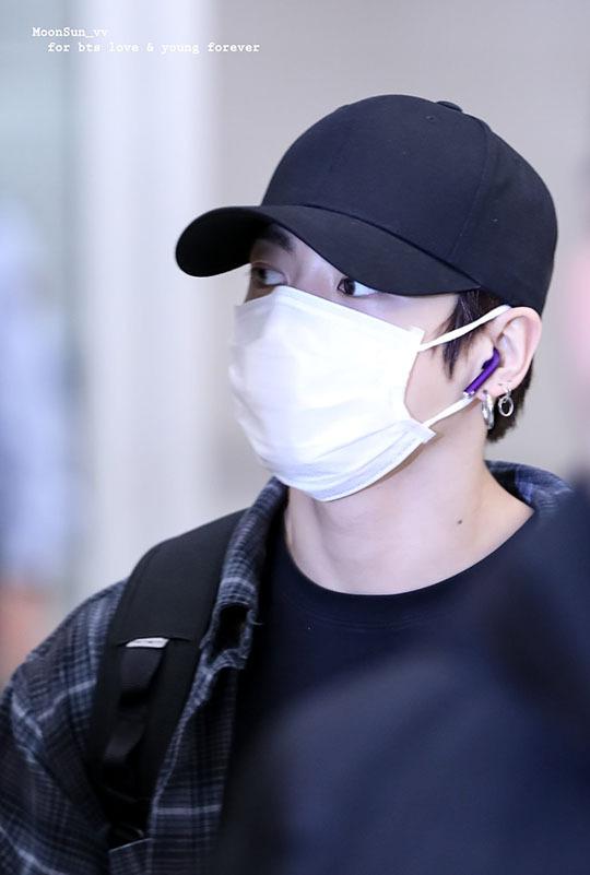 Yoona tóc xù đáng yêu, BTS che kín ở sân bay - 7