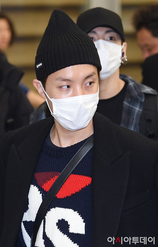 Yoona tóc xù đáng yêu, BTS che kín ở sân bay - 3