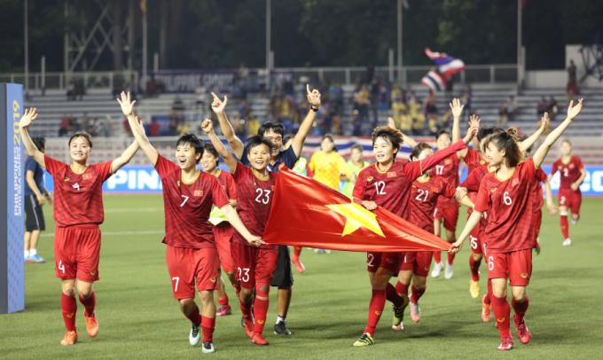 <p> Đội tuyển nữ của HLV Mai Đức Chung đã sáu lần lên ngôi vị cao nhất.</p>