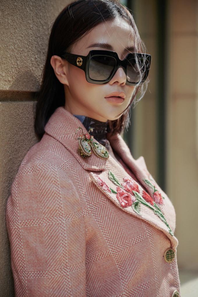 <p> Trong bộ ảnh mới thực hiện, Phương Oanh khoác lên mình nhiều bộ trang phục mùa đông sành điệu.</p>