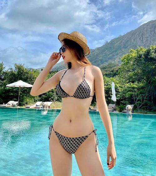Kỳ Duyên diện bikini khoe vóc dáng chuẩn đồng hồ cát sau khi đánh bay 10 kg mỡ thừa.