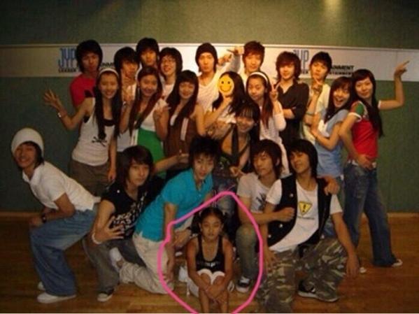 Ji Hyo và các nghệ sĩ JYP thế hệ hai như Wonder Girls, 2PM, 2AM...