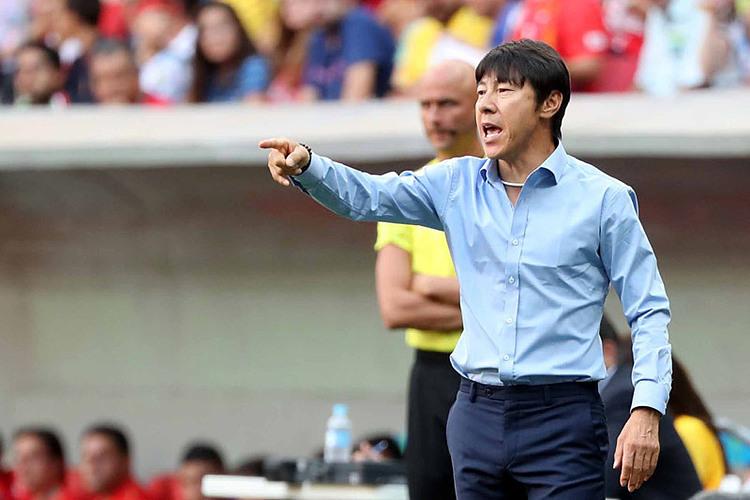 Ông Shin Tae-yong.