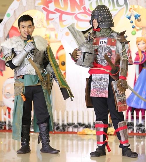 Những nhân vật trong các game nổi tiếng cũng được lựa chọn làm cảm hứng. Bạn Trần Công Vinh (SBD 05), Đặng Minh Quang (SBD 06)... xuất hiện trong hình tượng của những binh sĩ. Bộ giáp họ mặc trên người được thực hiện công phu. Quang cho biết trang phục này đã được chuẩn bị ròng rã 3 tháng trời, có bộ lên tới 4 tháng để kịp tham gia vào cuộc thi.