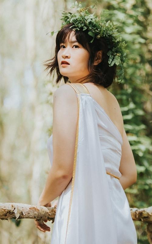 Lizzie tên thật Nguyễn Thị Quỳnh, sinh năm 1998.