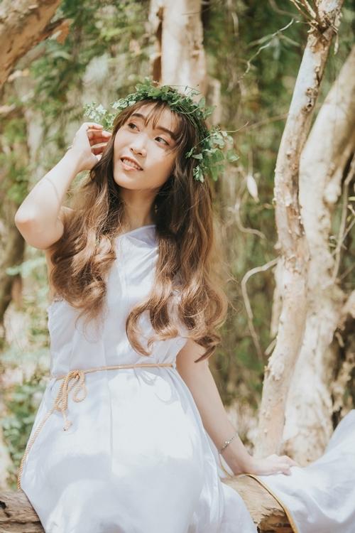 Nu Nu tên thật là Nguyễn Ngọc Quỳnh Như, sinh năm 1995, đảm nhận vị trMain Vocal, Leader của O2O. Cô chia sẻ: Tụi em cũng rất vinh dự khi ba Quyền Linh đã hỗ trợ và đồng hành cùng nhóm trong những bước đi đầu tiên với đam mê của mình.