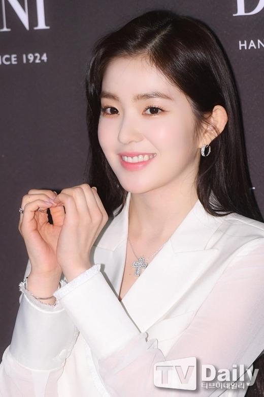 Irene sang chảnh, quyền lực như nữ CEO tại sự kiện - 3