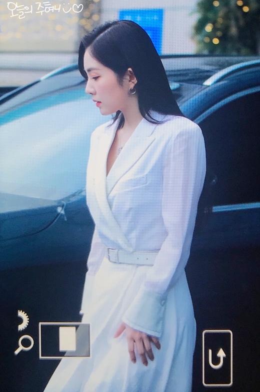 Irene sang chảnh, quyền lực như nữ CEO tại sự kiện - 4