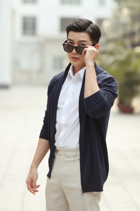 <p> Nam Hee tên thật Trần Hoài Nam, sinh năm 1988, là hot boy thế hệ 9x đời đầu, cùng thời với loạt hot teen như Tâm Tít, Kelly Nguyễn, Huyền Baby...</p>