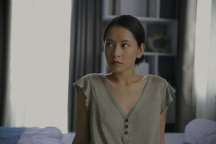 Chi Pu có vai diễn khó đoán trong Chị chị em em.