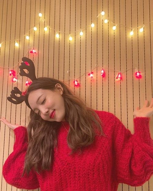 Na Yeon hóa cô tuần lộc đáng yêu.