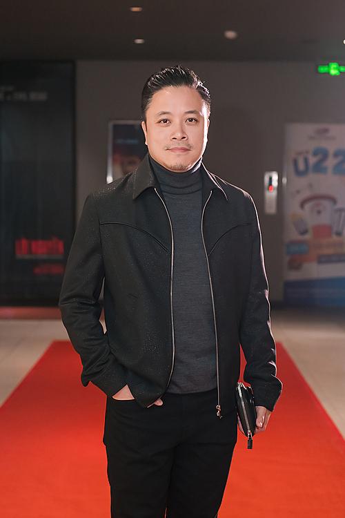 Đạo diễn Victor Vũ trong buổi ra mắt phim tại Hà Nội hôm 19/12.