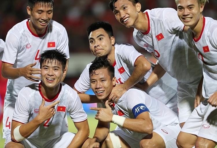 Tuyển thủ Việt Nam ăn mừng trong trận gặp Indonesia tại Vòng loại World Cup 2022, hôm 15/10. Ảnh: Đức Đồng.