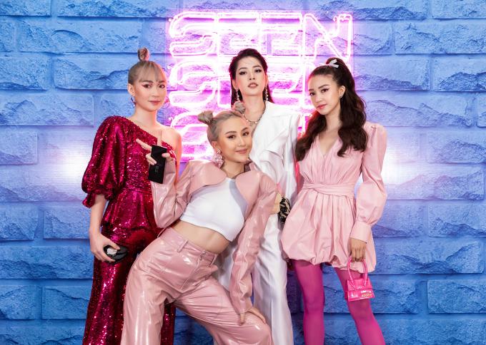 """<p> Tối 30/12, Quỳnh Anh Shyn ra mắt bộ sưu tập Xuân Hè 2020 có tên """"SEEN"""". Đây là sản phẩm đánh dấu định hướng mới của hot girl Hà thành, trở thành nhà thiết kế thời trang. Sự kiện có đông đảo hot girl nhiều thế hệ tụ hội với dress code trắng - hồng.</p>"""
