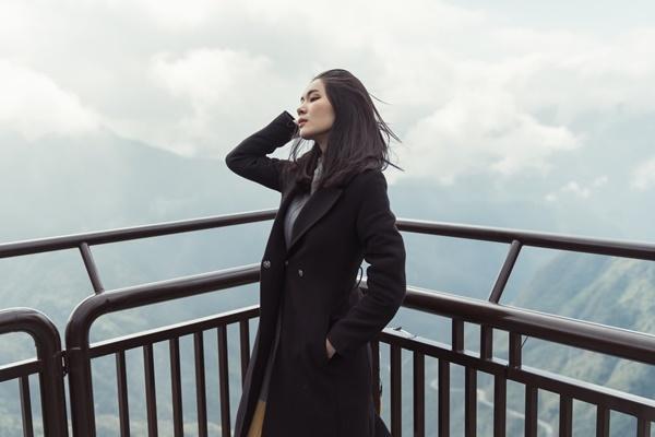Lương Ý Như thích thú khi được tận hưởng cảm giác như chạm vào mây.