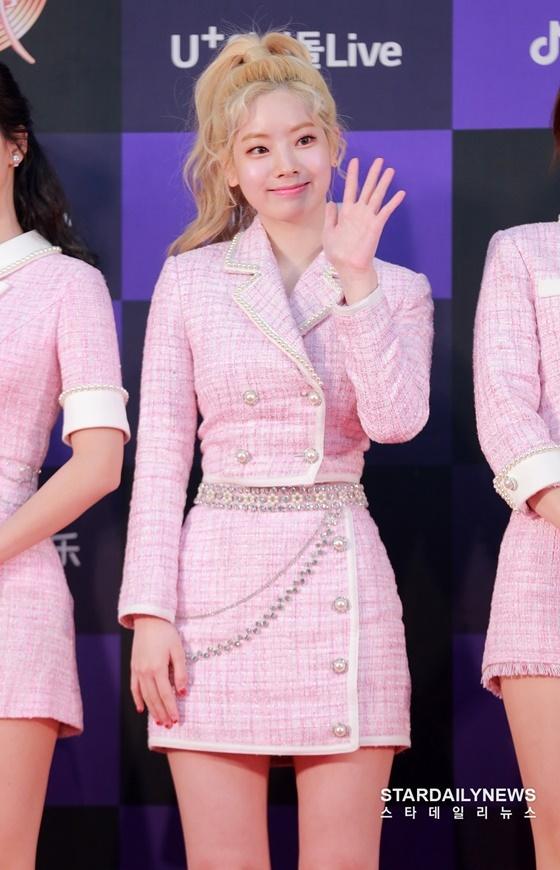 Da Hyun có làn da trắng, hợp với mọi màu tóc.
