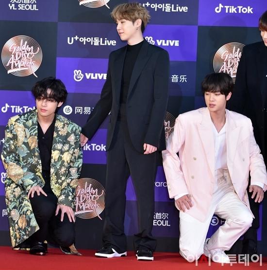 Jin: khi chú vấp ngã anh sẽ không đỡ chú dậy nhưng anh hứa sẽ quỳ cùng chú cho đỡ ngại.