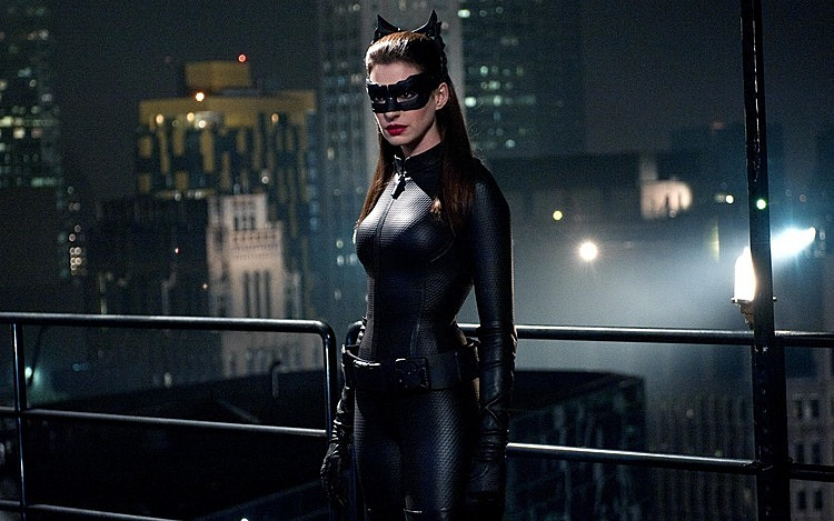 Catwoman do Anne Hathaway thủ vai trong The Dark Knight Rise (2012).