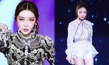 Outfit cầu kỳ, sang chảnh như hoàng gia của Chung Ha