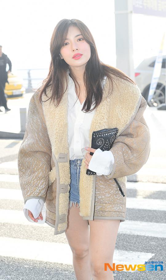 Hyuna lên đường sang Việt Nam dự đêm nhạc Hàn - Việt ngày 11/1 diễn ra ở TP. HCM.