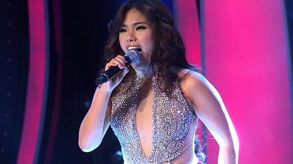 Phương Vy Vietnam Idol - chương trình truyền hình thực tế tìm kiếm tài năng âm nhạc - lần đầu lên sóng vào năm 2007. Phương Vyvới giọng hát nội lực, phong độ ổn định qua các phần thi13 năm trước đãvượt qua Ngọc Ánh để trở thành quán quân đầu tiên của chương trình. Sau đó, cô đại diện Việt Nam dự thi Asian Idol nhưng thất bại trước Hady Mirza của Singapore. Từ năm 2008 - 2010, Phương Vy có nhiều ca khúc được giới trẻ yêu thích như Lúc mới yêu (2008), Có đôi lần (2009), Khung trời dấu yêu (2009), Mùa thu cho em (2010)... Năm 2014, cô tham gia Tuyệt đỉnh song ca và giành chiến thắng. Tuy nhiên, sự nghiệp không có nhiều bứt phá.