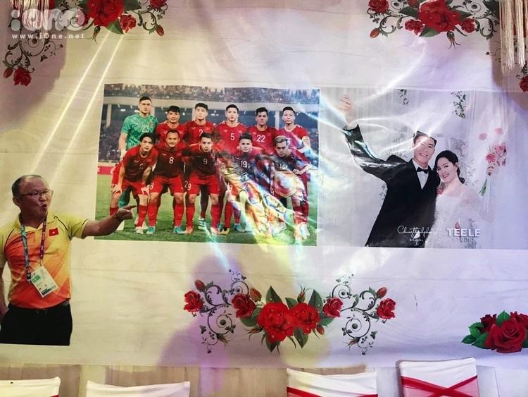 Không gian tiệc cưới tại nhà cô dâu.