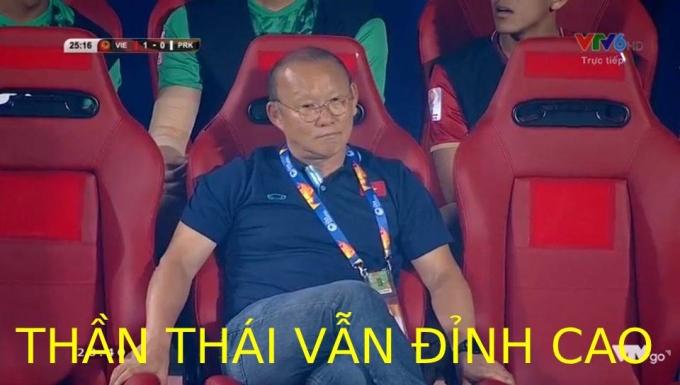 <p> Tâm trạng của thầy Park ở những phút cuối: Thua vẫn phải ngầu.</p>