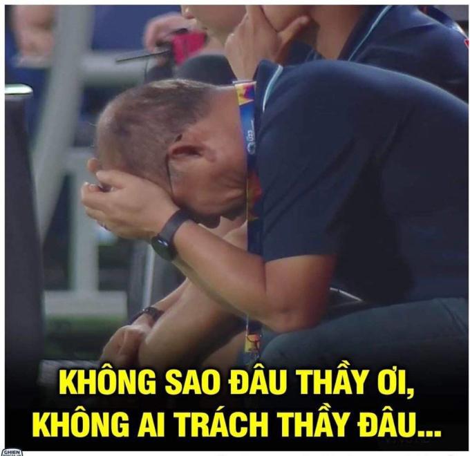 <p> U23 châu Á là giải đấu từng là đưa tên tuổi thầy Park lên một tầm cao mới ở Thường Châu 2018. Giờ đây, họ bị khuất phục ngay từ vòng bảng. Không chỉ U23 Việt Nam, Nhật Bản cũng khiến cả châu Á sốc khi bị loại.</p>