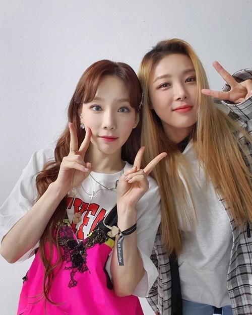 Yu Bin, cựu thành viên Wonder Girls, cũng có mặt ở concert của Tae Yeon.